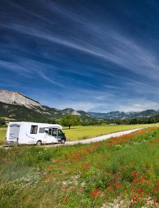 paysage camping car chausson
